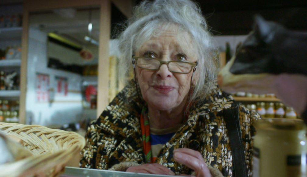 Grosse salope defoncee grand mère salope