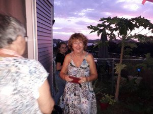 Au fond, Chloé, Huguette, magnifique et un morceau de Lucile sur fond de superbe coucher de soleil !